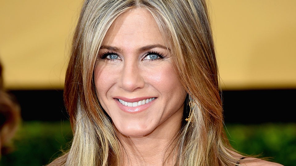 The $3 Beauty Product Jennifer Aniston Swears By | StyleCaster