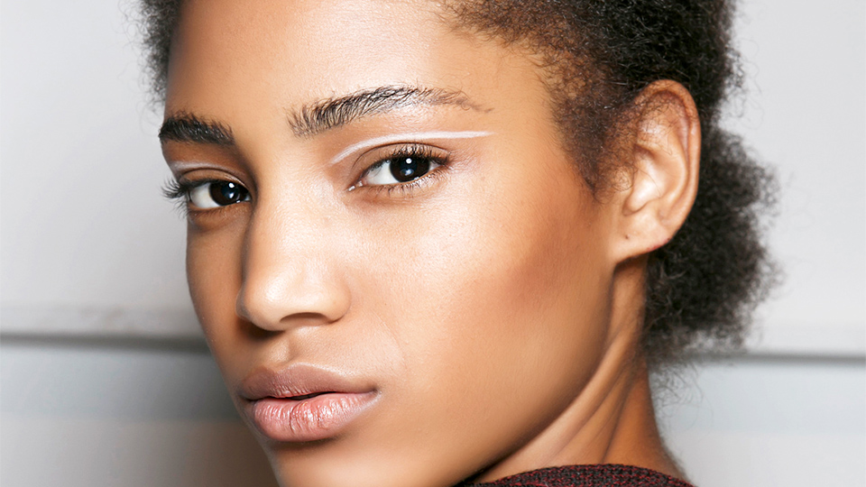 What to Know About Moringa Oil, The New Trendy Ingredient For Clear Skin
