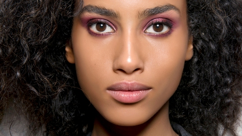 How to De-Pot Your Eyeshadows Without Ruining Them | StyleCaster