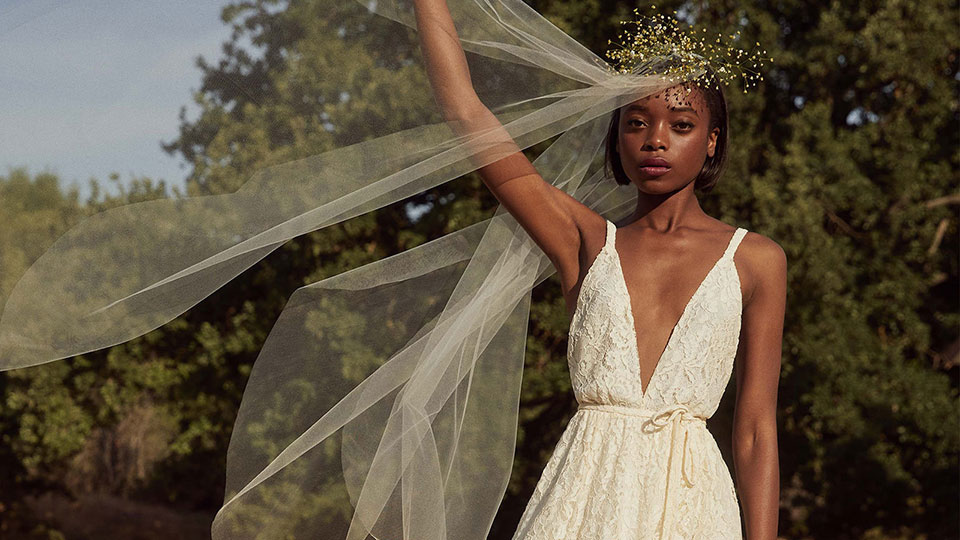 The 13 Best Places to Buy Wedding Dresses on the Cheap