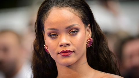 These Are the Exact Hair Products Rihanna Uses | StyleCaster