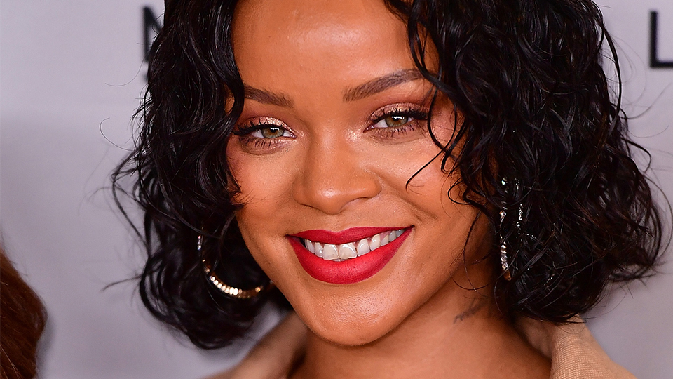 Rihanna Just Revealed the Coolest Turquoise Blue Hair