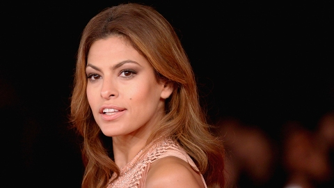 Eva Mendes Uses This Lazy Hack to Get Great Hair | StyleCaster