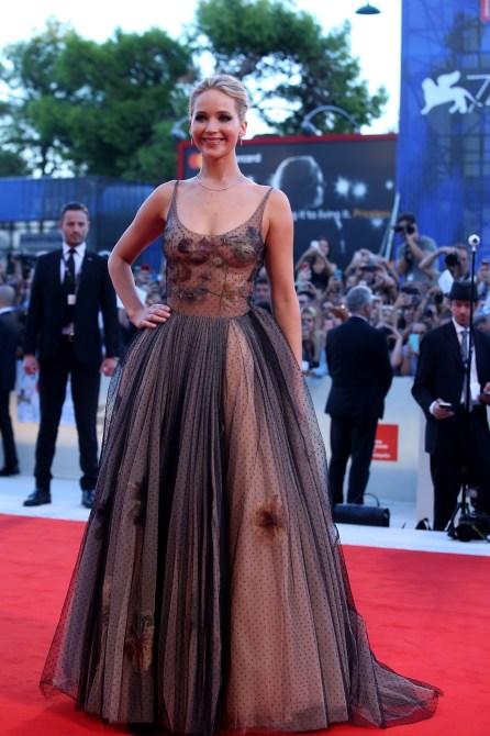 jennifer lawrence naked 3 Jennifer Lawrence Nailed the Naked Dress Look Twice This Week