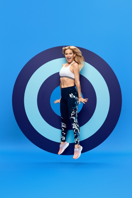 kate hudson fabletics 3 Kate Hudson Launches Breast Cancer Awareness Collection with Fabletics