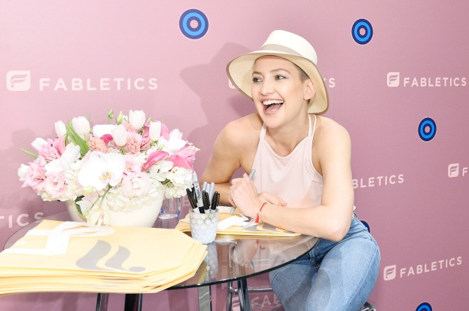 kate hudson fabletics Kate Hudson Launches Breast Cancer Awareness Collection with Fabletics