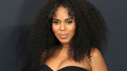 13 Celebrities Who Embraced Their Natural Hair Texture | StyleCaster