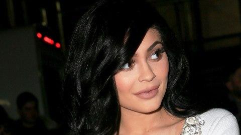 Kylie Jenner Handles Fan's Plastic Surgery Jab Like a Pro | StyleCaster
