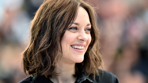 Marion Cotillard Just Went Super-Blonde | StyleCaster