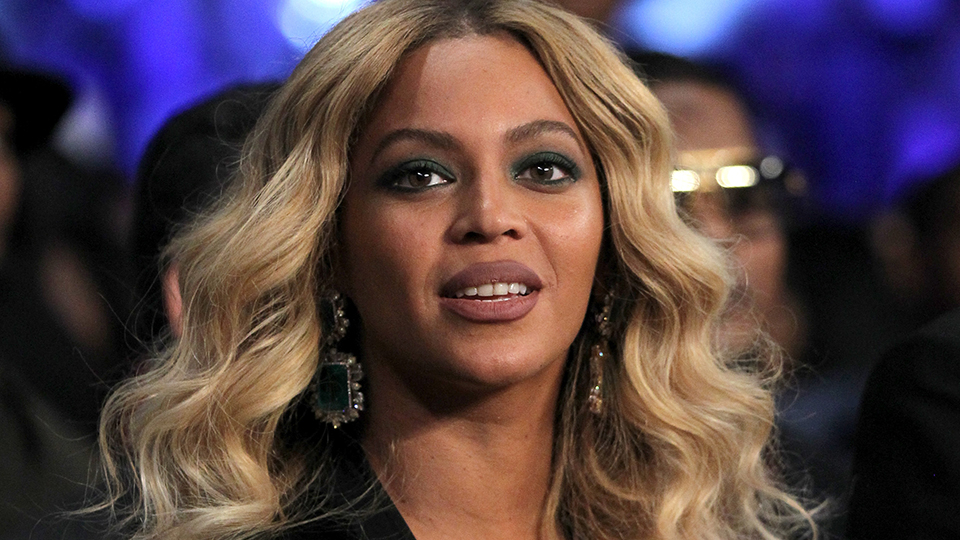 Bow Down—Beyoncé and Her Gorgeous Highlight Are a Golden Globes Masterpiece