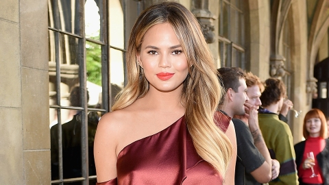 Fans Suspect Chrissy Teigen Was White-Washed for a Magazine | StyleCaster