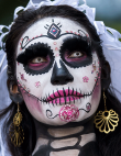 8 DIY Halloween Beauty Tips From Top Makeup Artists