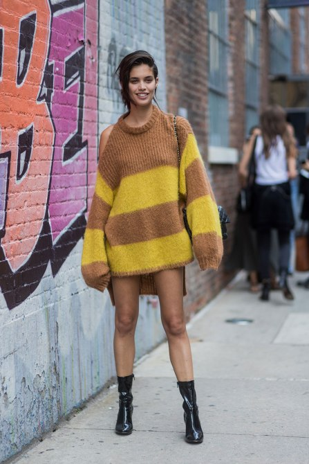 STYLECASTER | How to Wear Clashing Colors | Yellow and Brown Oversized Fuzzy Sweater