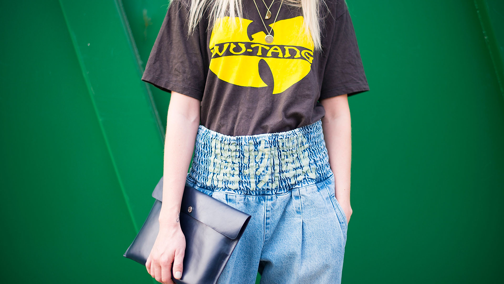 STYLECASTER | Outfit Ideas | High-Waisted Jeans