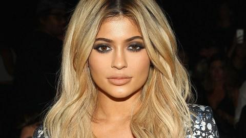 Kylie Jenner's Smart Trick For a Killer Smoky Eye | StyleCaster