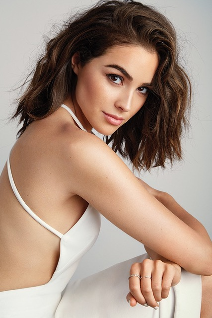 olivia culpo How Being a 'Late Bloomer' Influenced Olivia Culpo's Perspective on Beauty