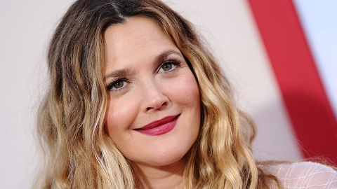 Drew Barrymore Looks Like a '70s Dream In This Chic Red Carpet Ensemble | StyleCaster