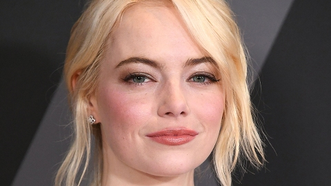 How Emma Stone Is Slowly Overcoming Her Anxiety | StyleCaster