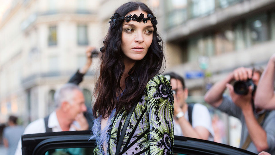 28 Street Style-Inspired Ways to Accessorize Your Hair This Winter