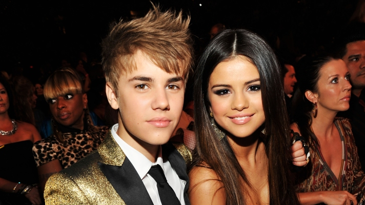 Justin Bieber Keeps Trying To Contact Selena Gomez & It's A Hot Mess