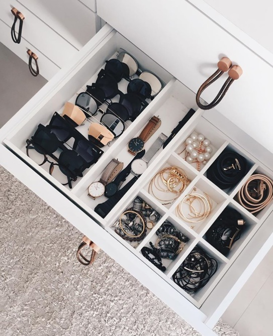 almocodesexta decoracaoescandinava 2 Simple Steps to Declutter Your Closet for a Fresh Fashion Start in 2018