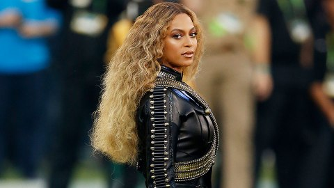 This is What Beyoncé's Natural Hair Looks Like | StyleCaster