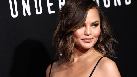 Chrissy Teigen Is Being Bump-Shamed, and It's Plain Rude | StyleCaster