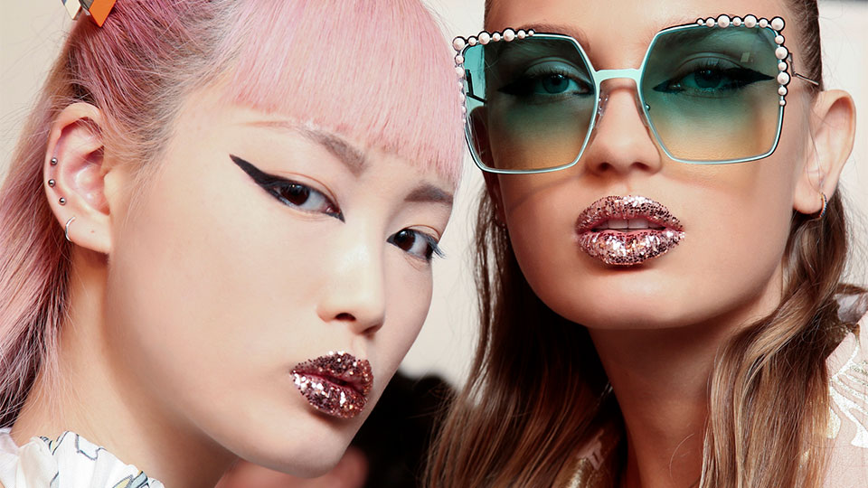 25 Glitter Makeup Ideas That May Inspire Your New Year's Eve Look