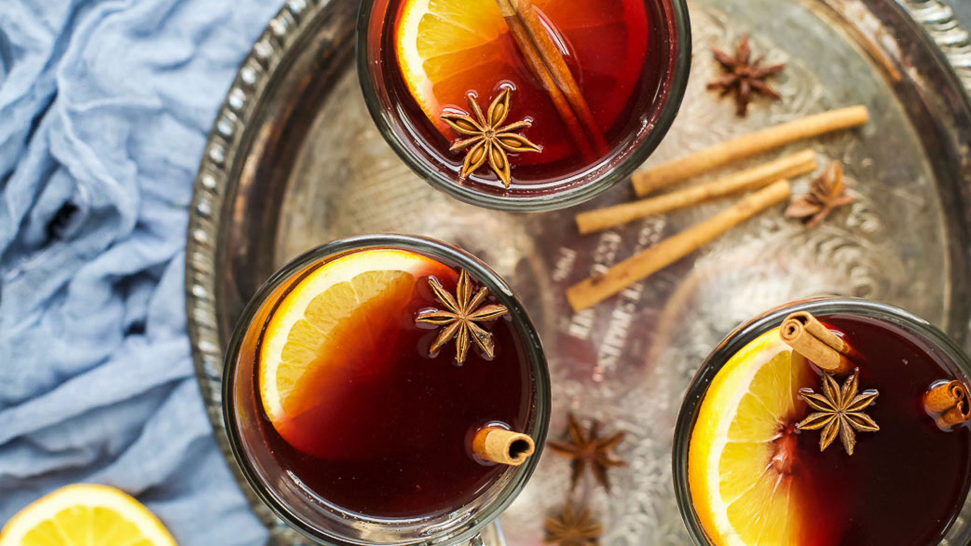 STYLECASTER | Quick Easy Holiday Cocktails