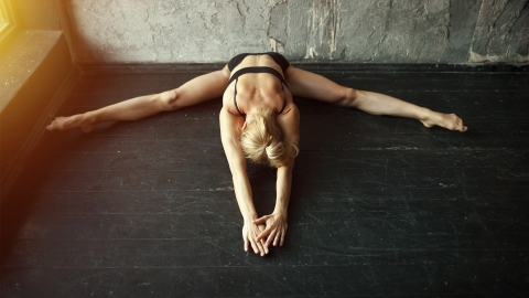 Kink Yoga Is the Sexiest Way to Increase Flexibility   StyleCaster