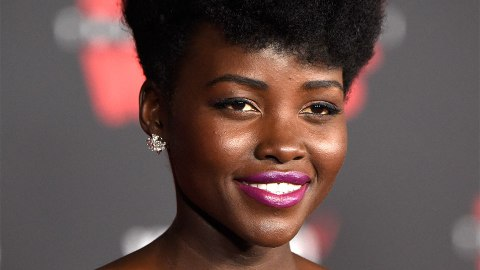 Lupita Nyong'o Just Wore the Perfect Fuchsia Lipstick for Brown Skin | StyleCaster