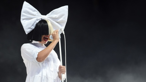Sia Slammed by Animal Rights Activists for MAC Collaboration | StyleCaster