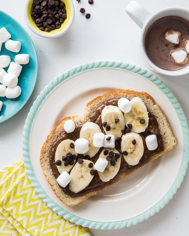 STYLECASTER | Comfort food recipes | chocolate marshmallow banana toast