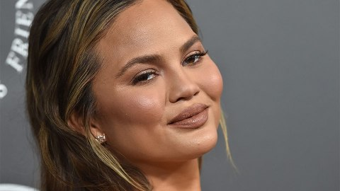 The Unexpected Way Chrissy Teigen Uses Coconut Oil | StyleCaster