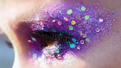 This DIY Glitter Face Mask is Unbelievably Easy to Recreate | StyleCaster