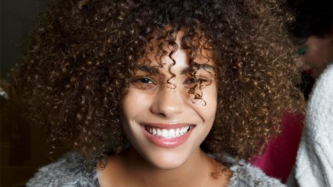 The Best Curl-Defining Techniques For Natural Hair, According to YouTube | StyleCaster