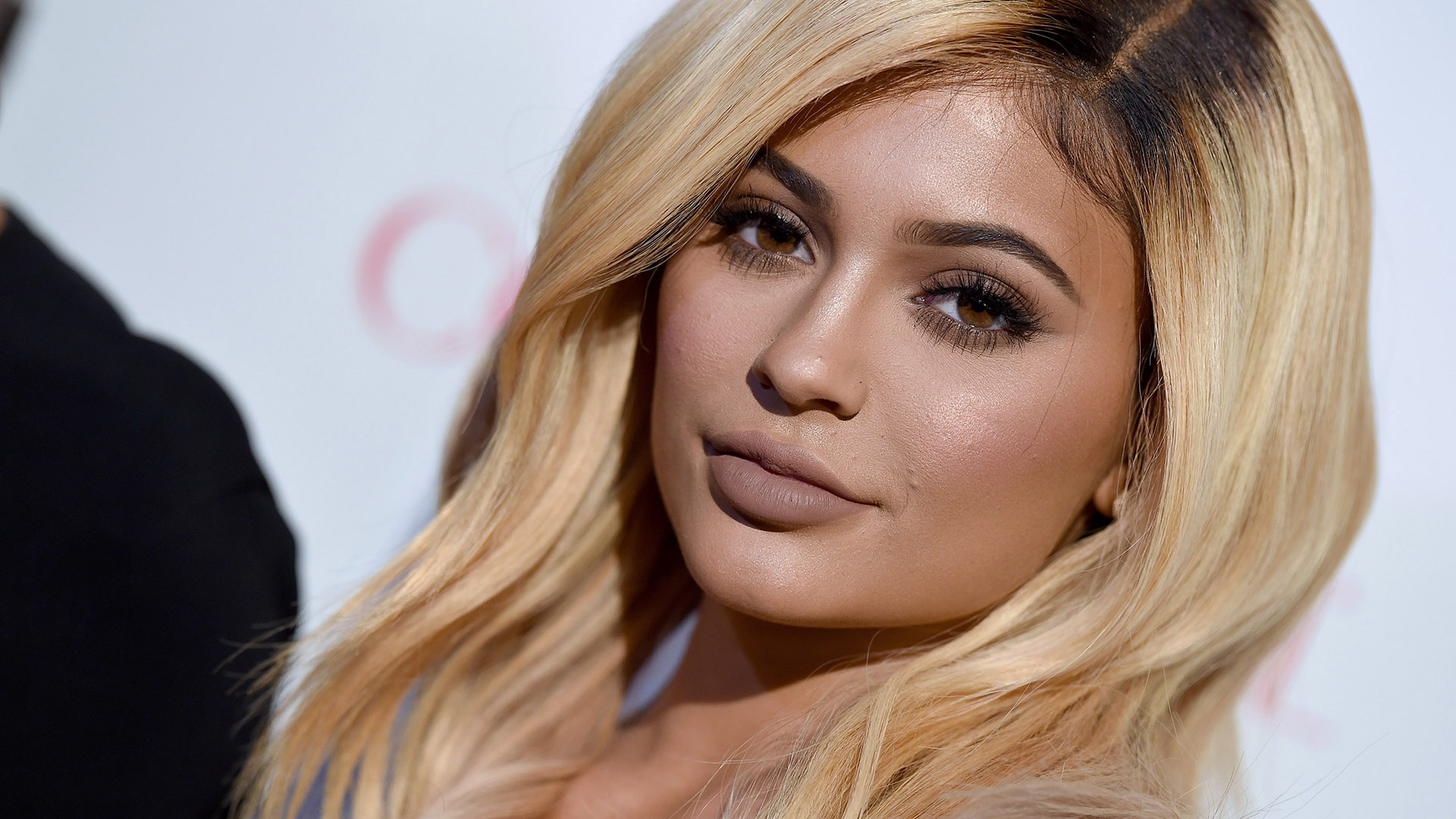 Fans Think Kylie Jenner Had Her Lip Fillers Dissolved Because of This Photo