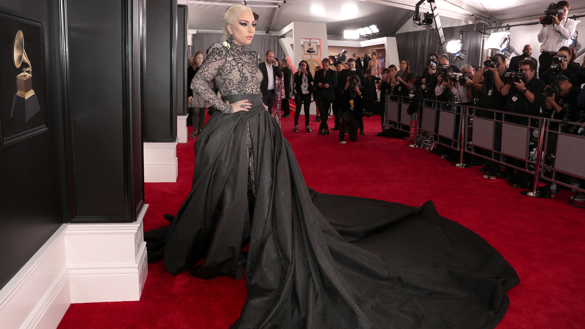 The Most Fashionable Red Carpet Looks from the 2018 Grammy Awards