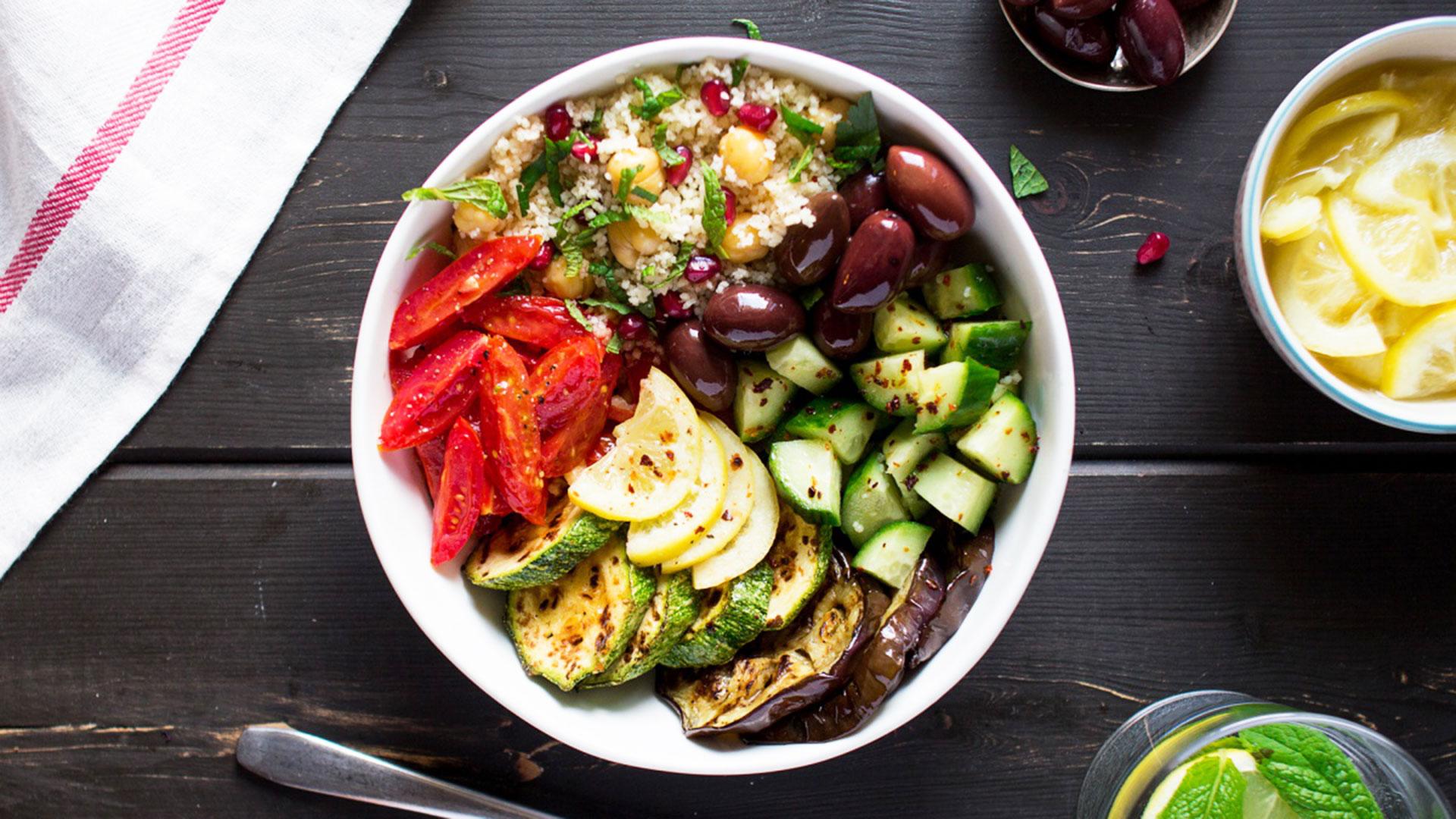 STYLECASTER | Winter Salad Recipes