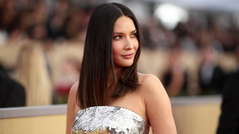 Olivia Munn Tried Apple Cider Vinegar to Beat Bloat | StyleCaster