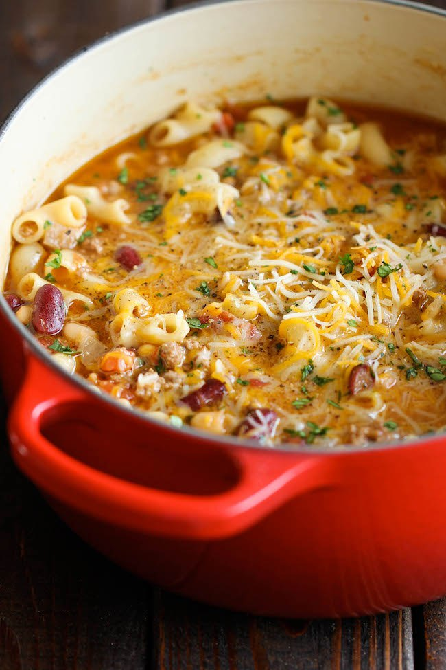 STYLECASTER | comfort food recipes | One Pot Chili Mac and Cheese