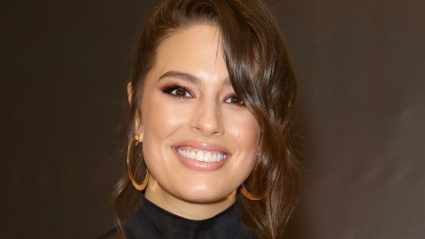 The Unique Way Ashley Graham Applies Highlighter | StyleCaster