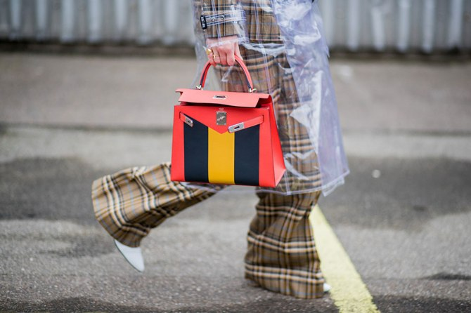 gettyimages 913177484 5 Effective Ways to Keep Your Purse Clean