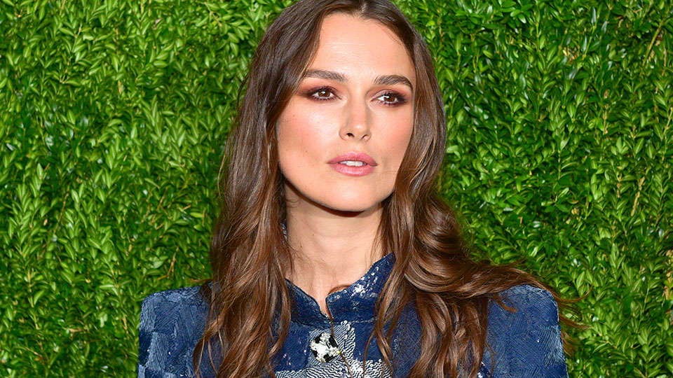 The Oil Keira Knightley Uses to Combat Dry Skin While Traveling