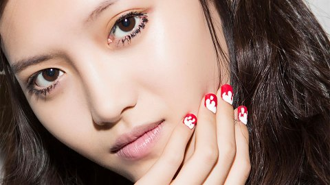 The Top Coats That'll Make Your V-Day Nail Art Last | StyleCaster
