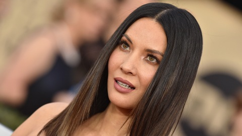 Olivia Munn Defends Kate Middleton Amid Green Dress Backlash | StyleCaster