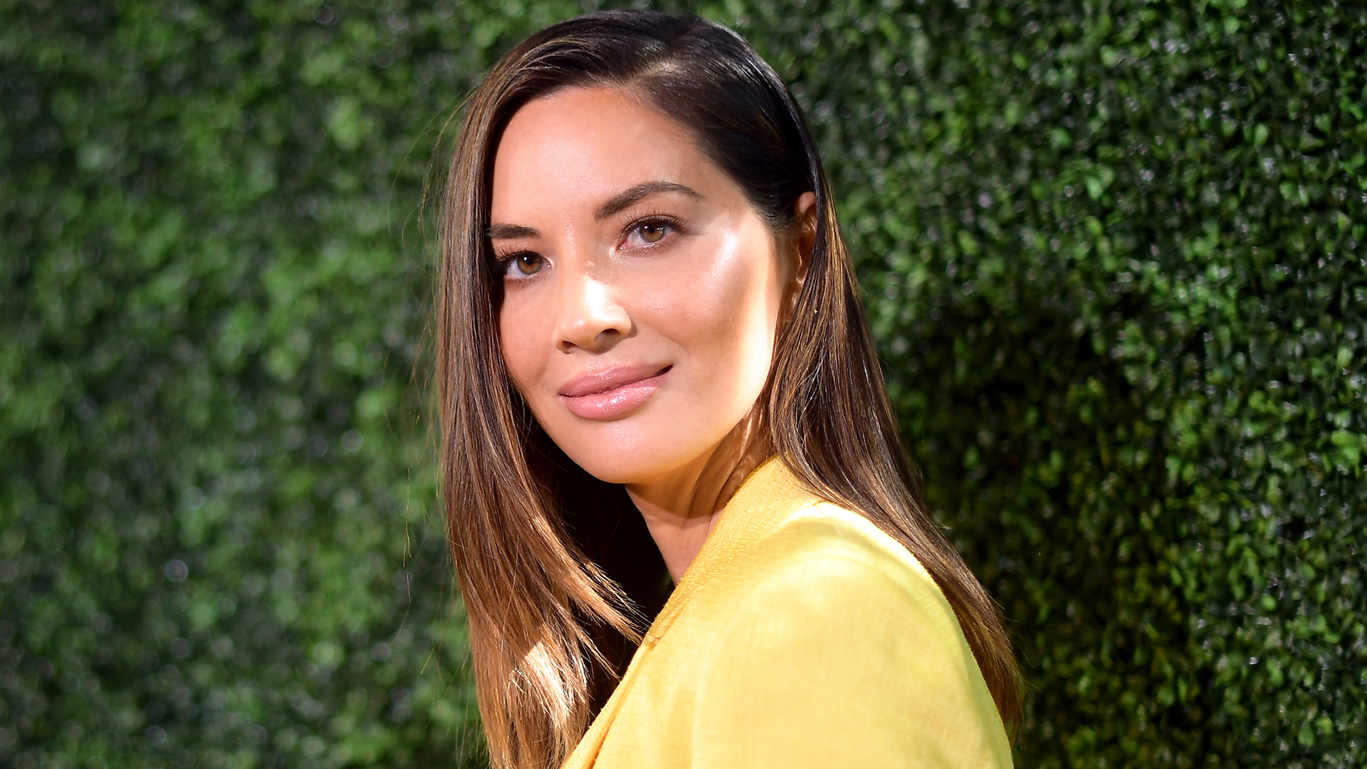 Olivia Munn Squashes Lip Injections Rumors by Wiping Off Her 'Luscious Lips'