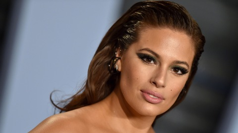 Ashley Graham Cut Her Hair into a Shoulder-Grazing Lob | StyleCaster