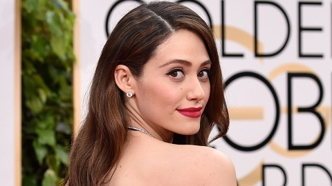 Emmy Rossum Shares Rare Selfie of Her Natural Curly Hair | StyleCaster