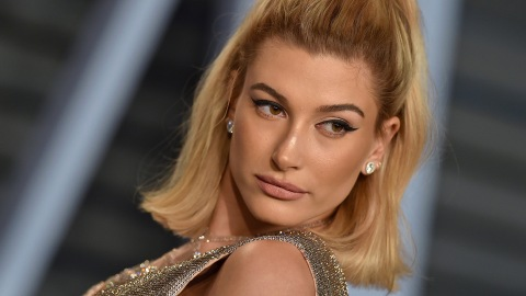 Is It Just Me, or Has Hailey Bieber Cracked the Code on Minimalist Outfits? | StyleCaster